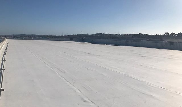 New Commercial Tpo Roof In Carlsbad Gen819 Roofing And Solar
